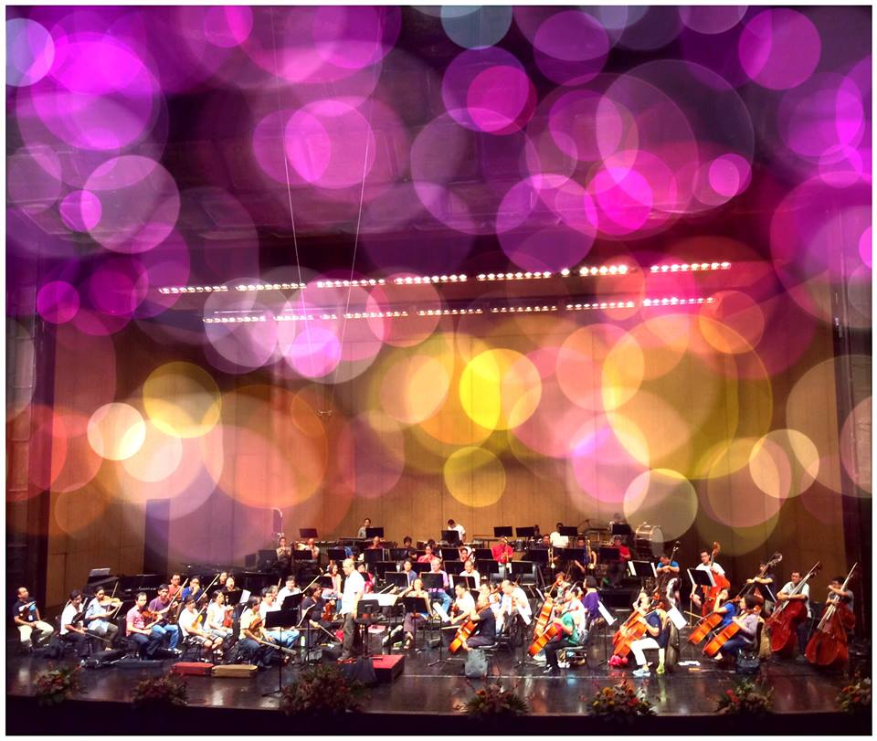 Philippine Philharmonic Orchestra - performing my Clarinet Concerto, Manila 10/2015